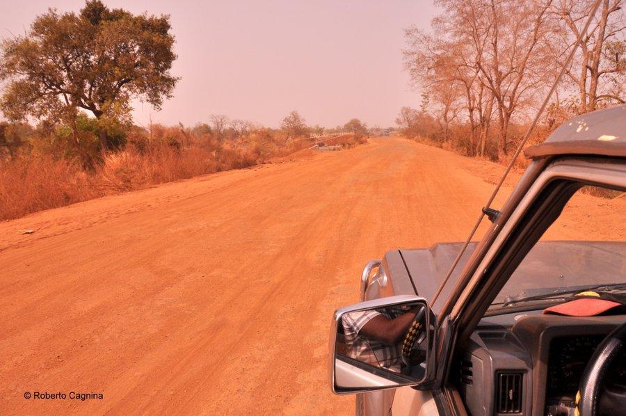Cosa vedere in Ghana Togo e Benin strade di terra polverosa