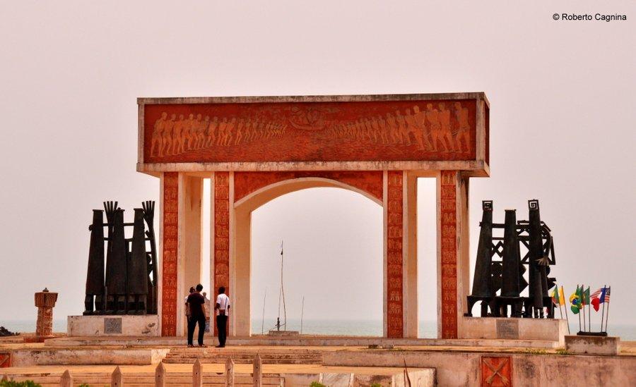 Cosa vedere in Ghana Togo e Benin le porte di non ritorno sulla spiaggia