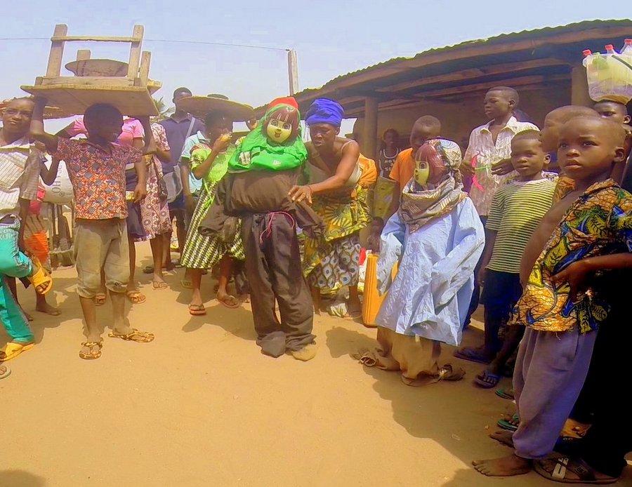 Festival Vodoo Internazionale di Ouidah in Benin balletti improbabili