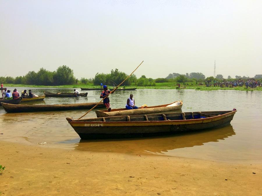 Festival Vodoo Internazionale di Ouidah in Benin fiume di confine tra togo e benin