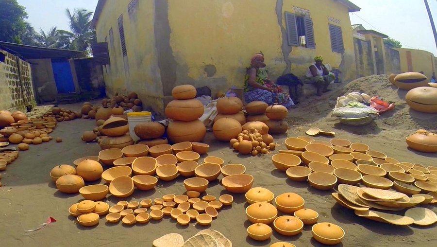 Festival Vodoo Internazionale di Ouidah in Benin mercatini e feticci