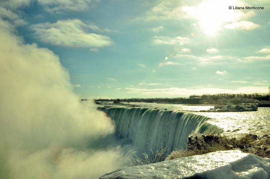 Canada on the road in inverno cascate del niagara