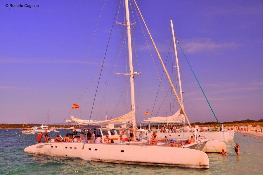 Consigli utili per organizzare un viaggio a Ibiza escursione in catamarano