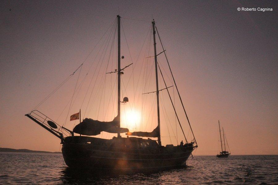 Consigli utili per organizzare un viaggio a Ibiza in barca al tramonto