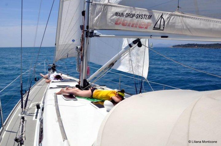 Noleggio barca lowcost istruzioni per l'uso come fare geolocalizzazione weekend dormire esterno rada