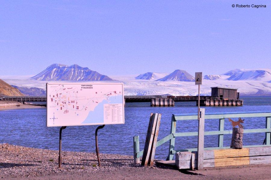 Escursioni alle Isole Svalbard Pyramiden porto
