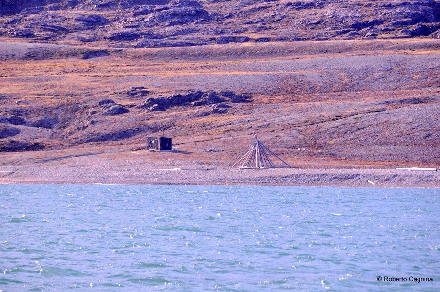 Escursioni alle Isole Svalbard Pyramiden accampamenti
