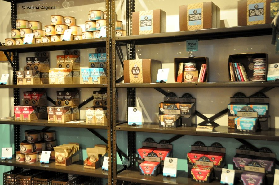 Visitare una fabbrica di cioccolato a Boston Taza negozio