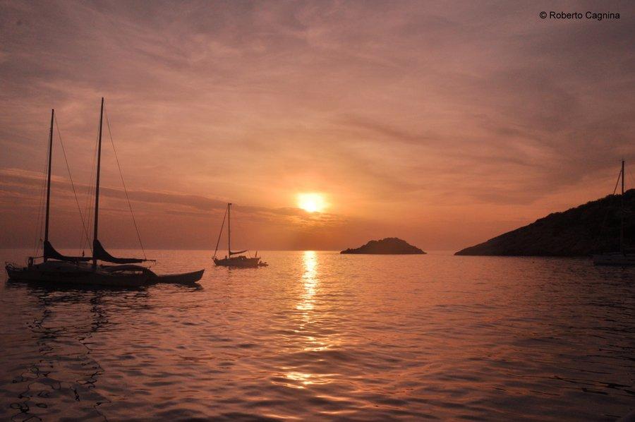 Consigli utili per organizzare un viaggio a Ibiza tramonto in barca