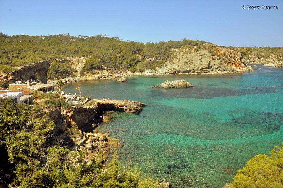 Consigli utili per organizzare un viaggio a Ibiza spiagge e calette